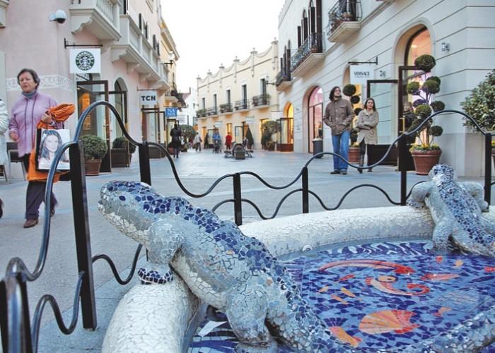 La Roca Village Shoping Express a un paso de Barcelona en Taxi